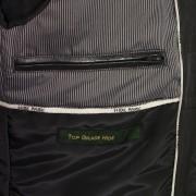 Mac black jacket inside pocket detail